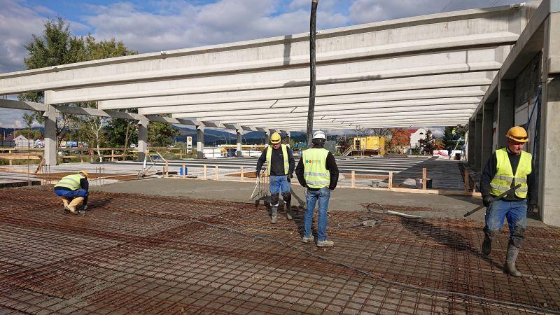 Rozbudowa i przebudowa obiektu handlowo-usługowego wraz z infrastrukturą dla LARIX Janusz Pieła Sp. J. w Żywcu -